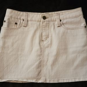 One Tuff Babe Girls White Jean skirt Size 7/8